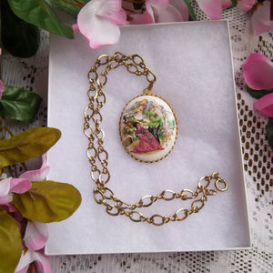 Gold Tone Asian Couple Necklace